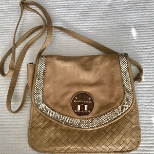 Elliot Lucca crossbody with gold accents!